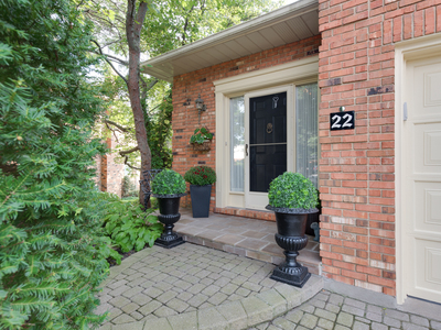 5 CARN CASTLE Gate #22 St. Catharines Ontario